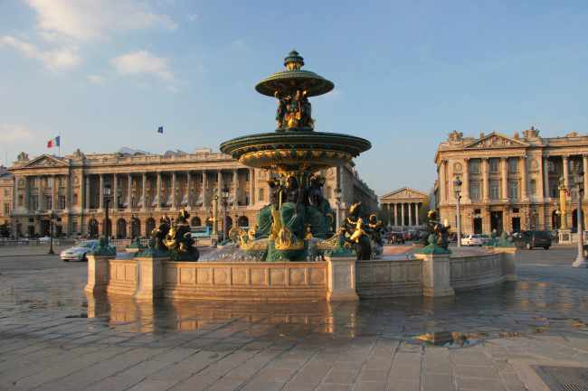 Place de La Concorde, Paris. Hôtel de Crillon on the left, Hôtel de la Marine on the right. Photo: Tristan Nitot.